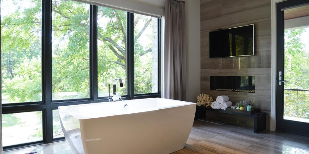Modern Tuscan Villa - Bathroom - Schaub Projects Architecture + Design - St. Louis, Missouri